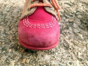 Le bout des chaussures Kickers s'abime assez facilement.