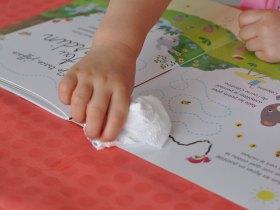 Pas de frustration pour l'enfant, le stylo est effaçable.