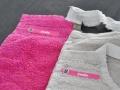 Les étiquettes thermocollantes Signoo sont utilisées pour marquer les vêtements.