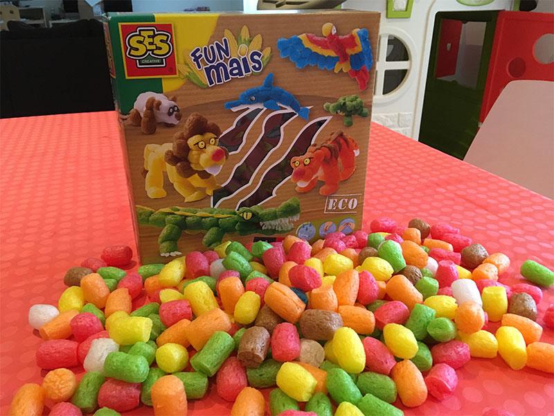 La boite contient 400 morceaux de maïs.
