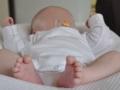 Le bébé est confortablement installé dans son cocoonababy.