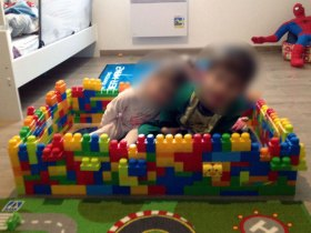 Plus grands, les enfants peuvent réaliser de très grandes constructions.