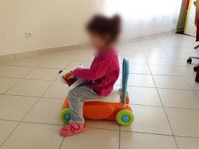 Le porteur de Smoby peut-être utilisé par des bébés et aussi des enfants plus grands.