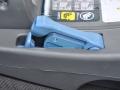 Possibilité de fixer la base du siège auto avec la ceinture.