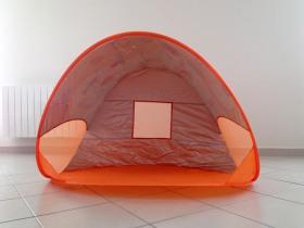 Vue intérieure de la Tente anti-UV de Babymoov