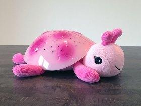 Cette petite veilleuse coccinelle rose est toute mignonne.